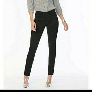 🎈🎈SALE🎈🎈NYDJ skinny jeans